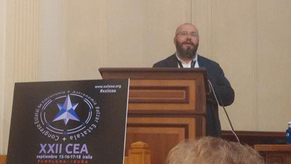 Javier Armentia, director del Planetario de Pamplona.